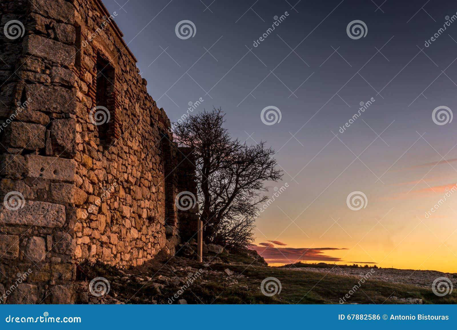 石头一个老房子的废墟在西班牙