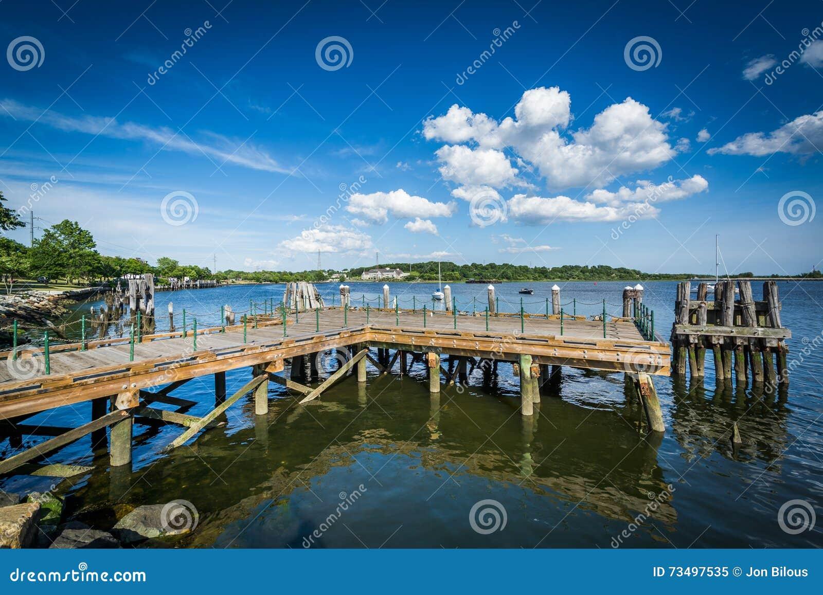 码头在Seekonk河,在上帝,罗德岛州