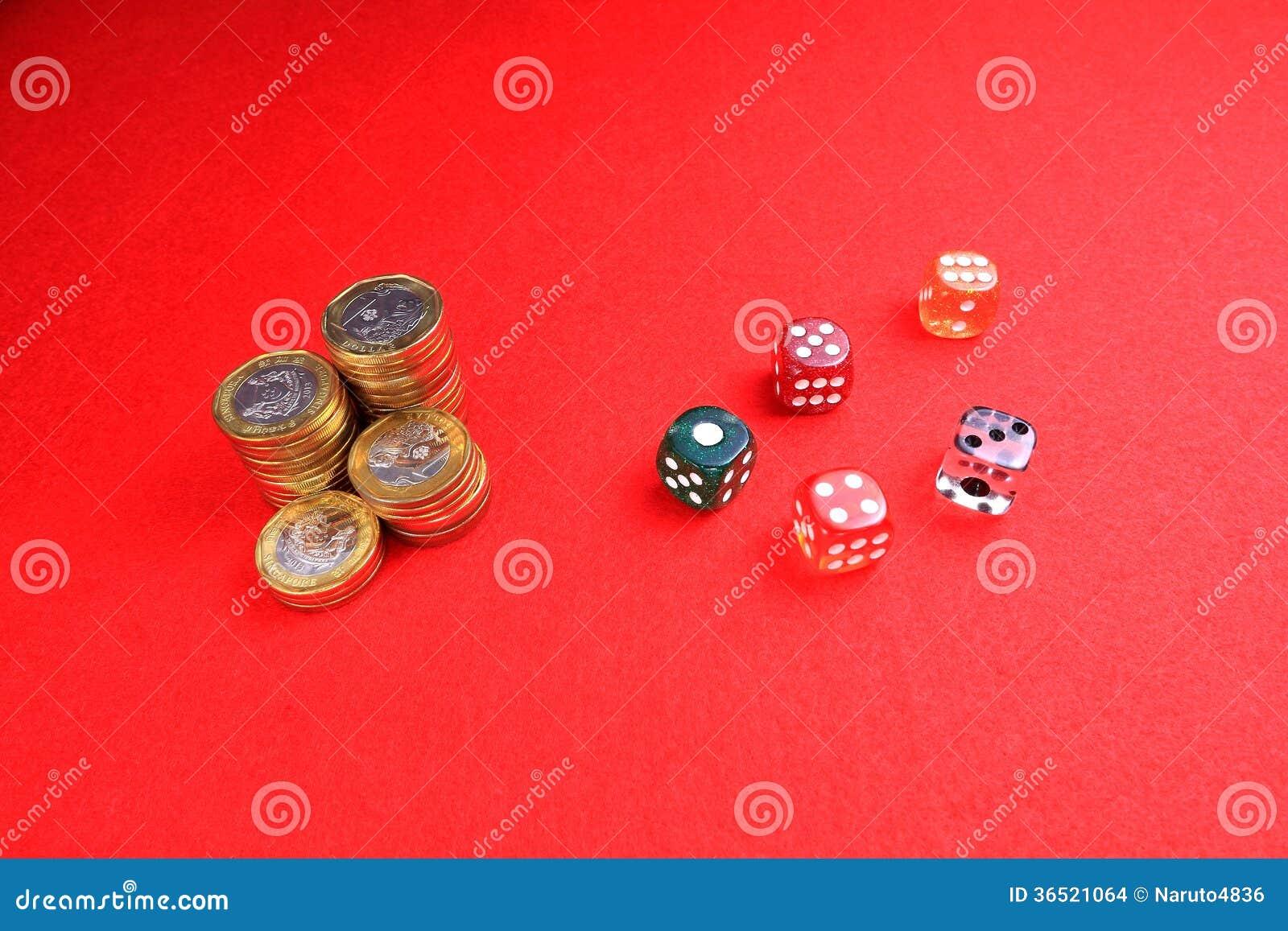 硬币和切成小方块