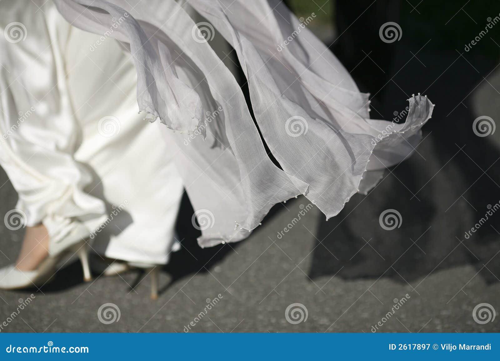 礼服流的婚礼白色