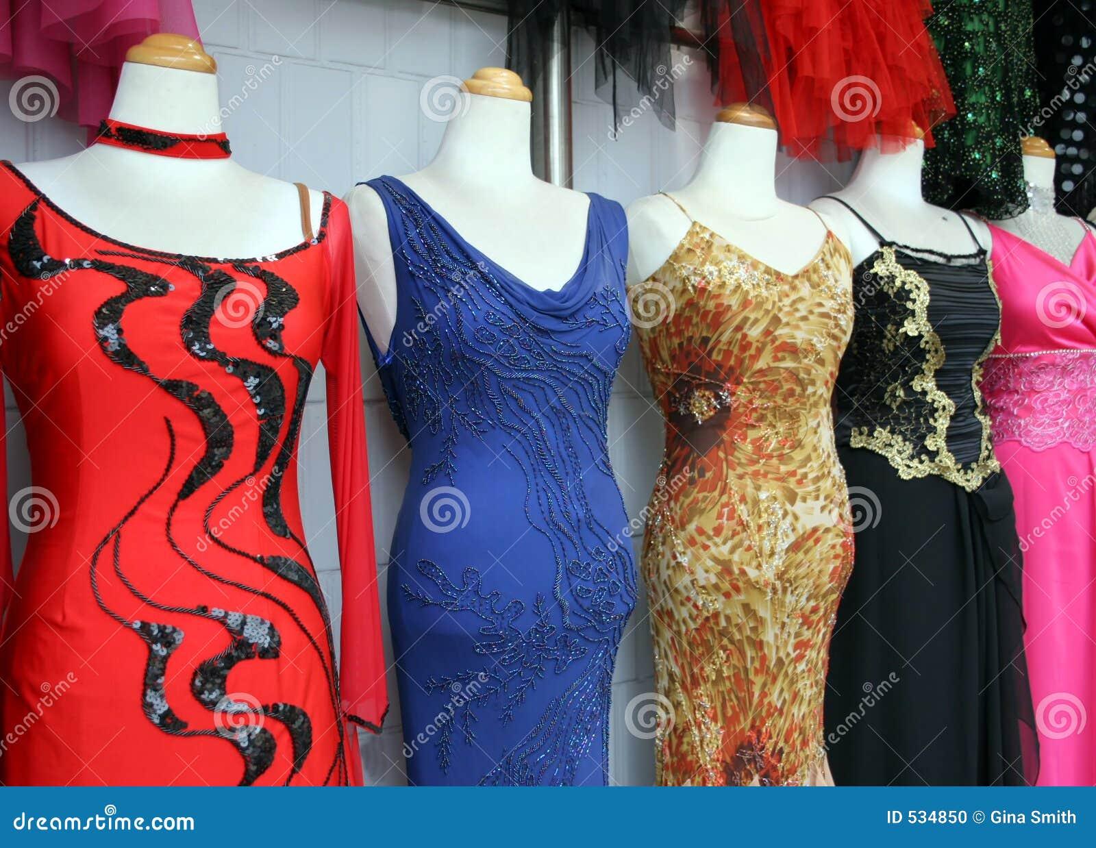 Download 礼服 库存照片. 图片 包括有 可爱, glamor, 当事人, 夜间, beautifuler, 服装, 天鹅绒 - 534850