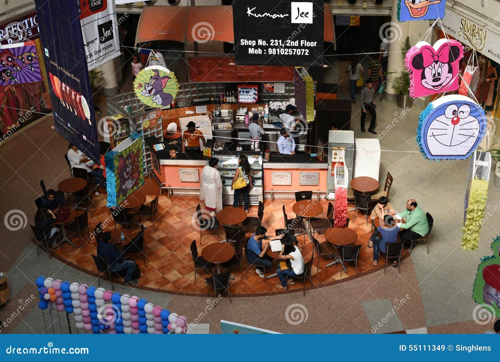 社论, 2015年6月07th日:古尔冈,德里,印度:在MG路的DT购物中心在古尔冈,它是其中一个第一个购物中心在古尔冈