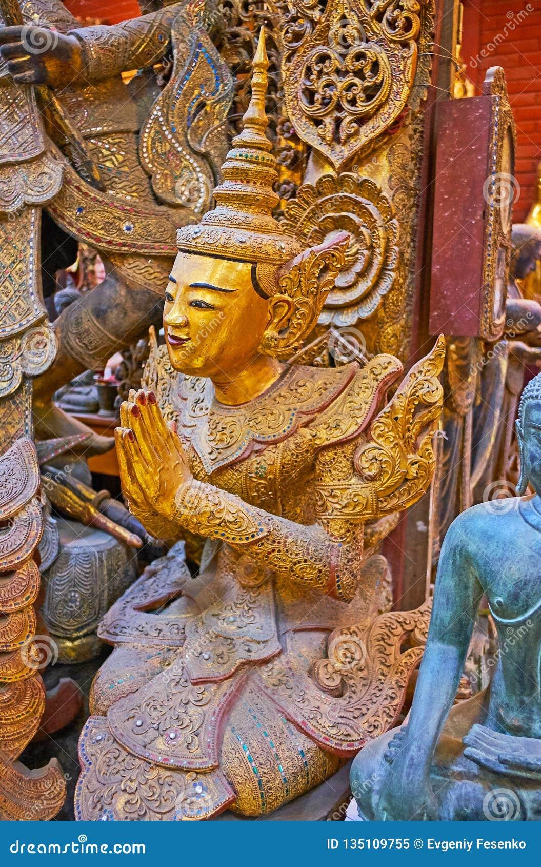 祈祷nat神雕塑,曼德勒,缅甸