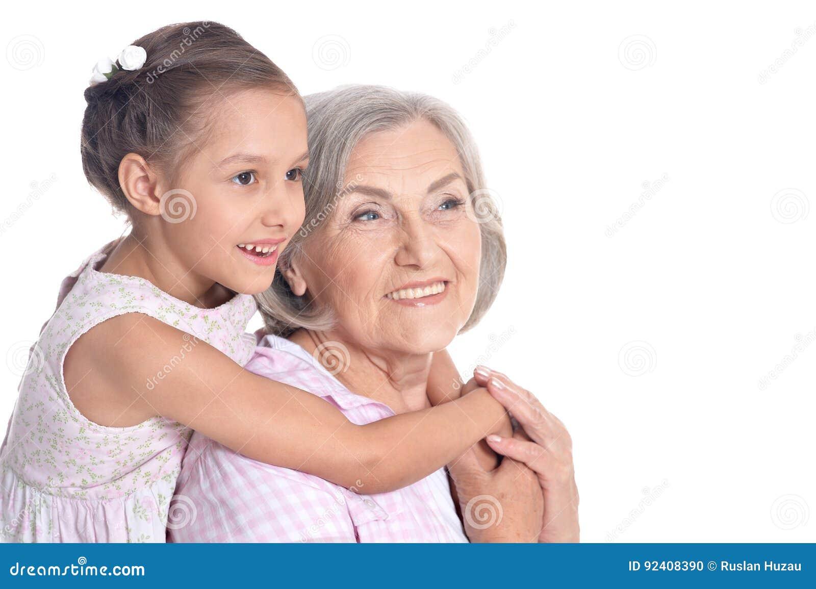 祖母和小孙女白色背景的
