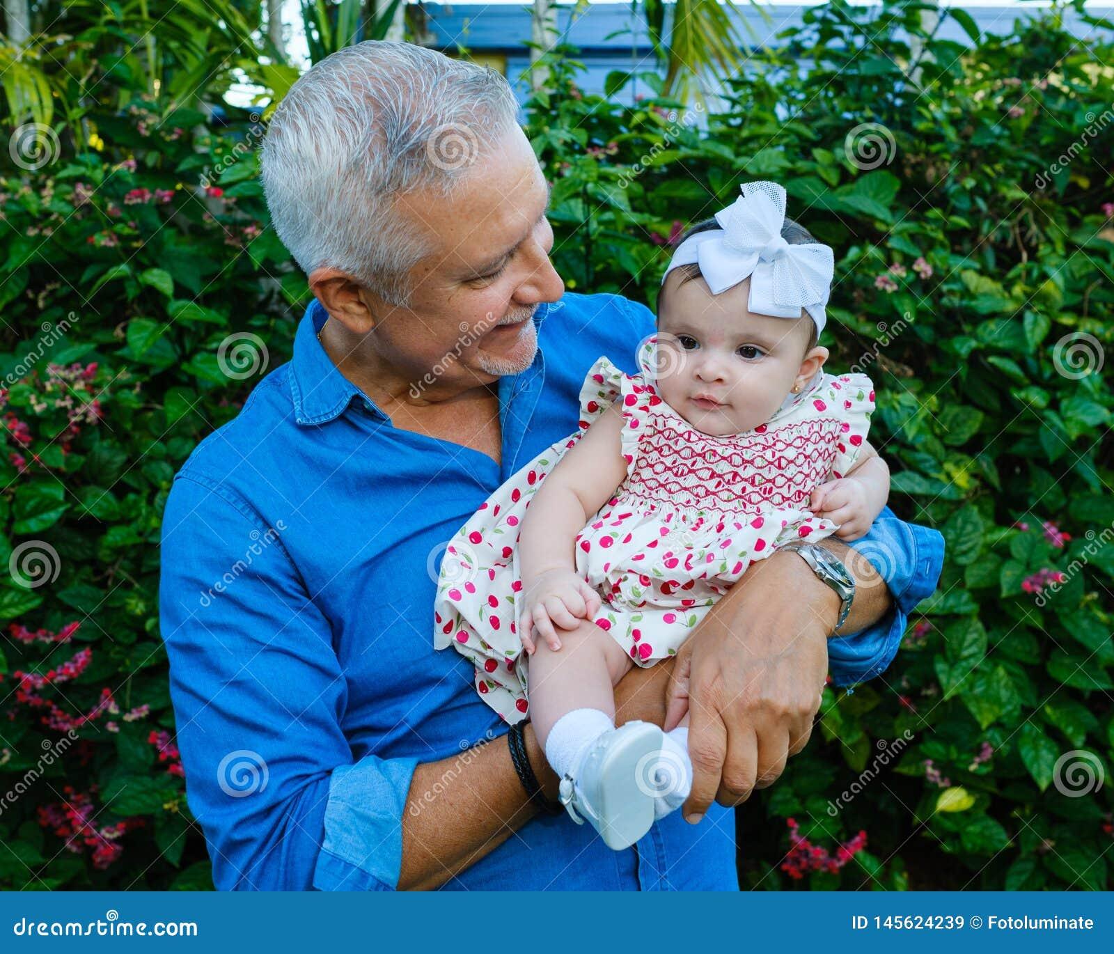 祖父和小孙女