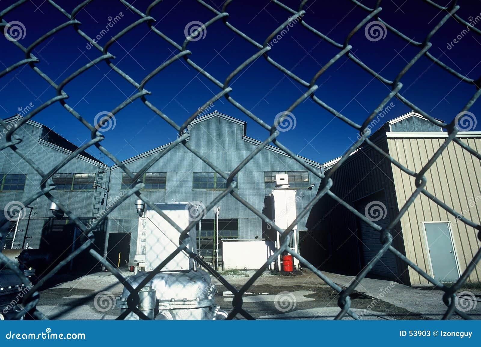 离开的工厂