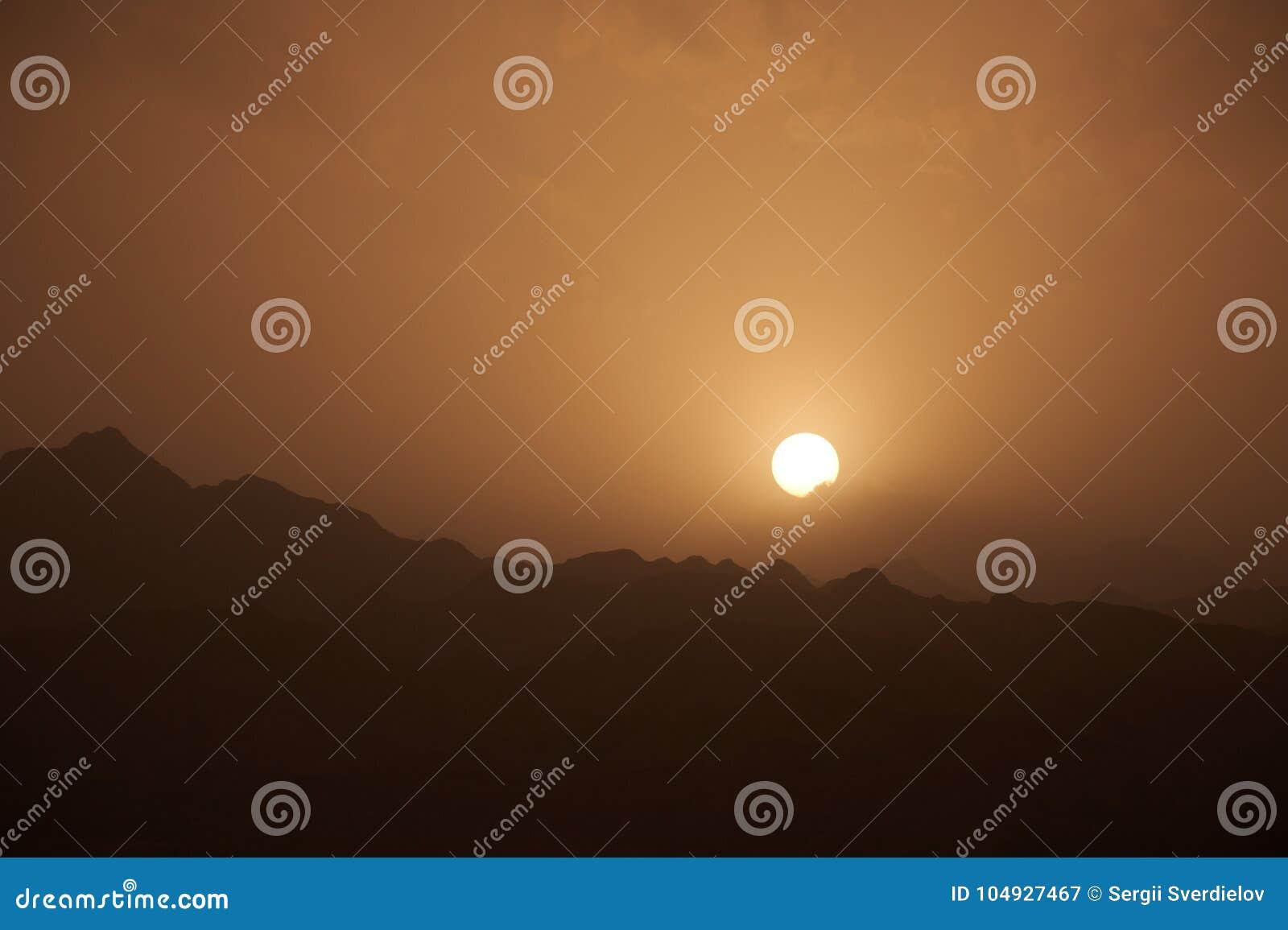 离开西奈山风景,与日落