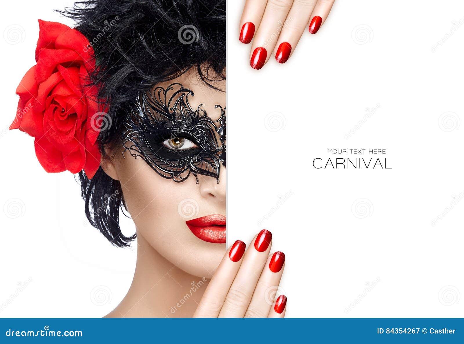 秀丽有狂欢节面具构成的时尚妇女 红色嘴唇和人