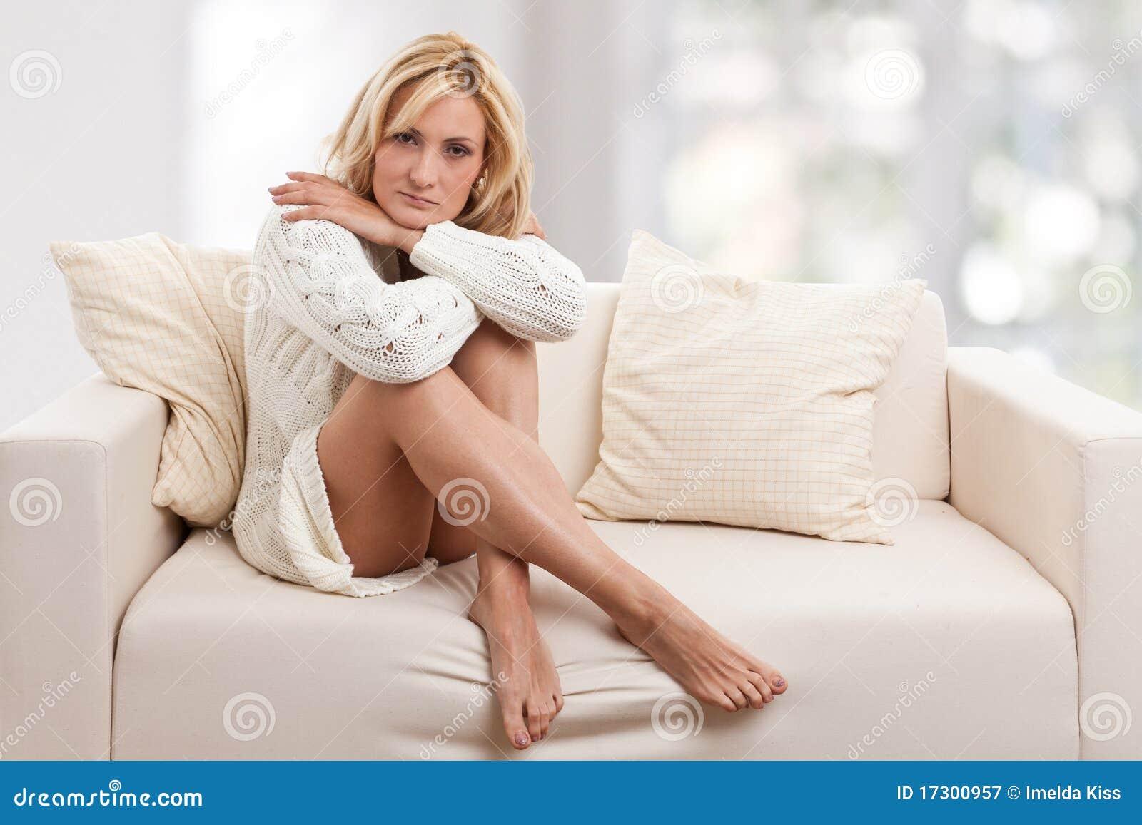 秀丽blondie沙发妇女