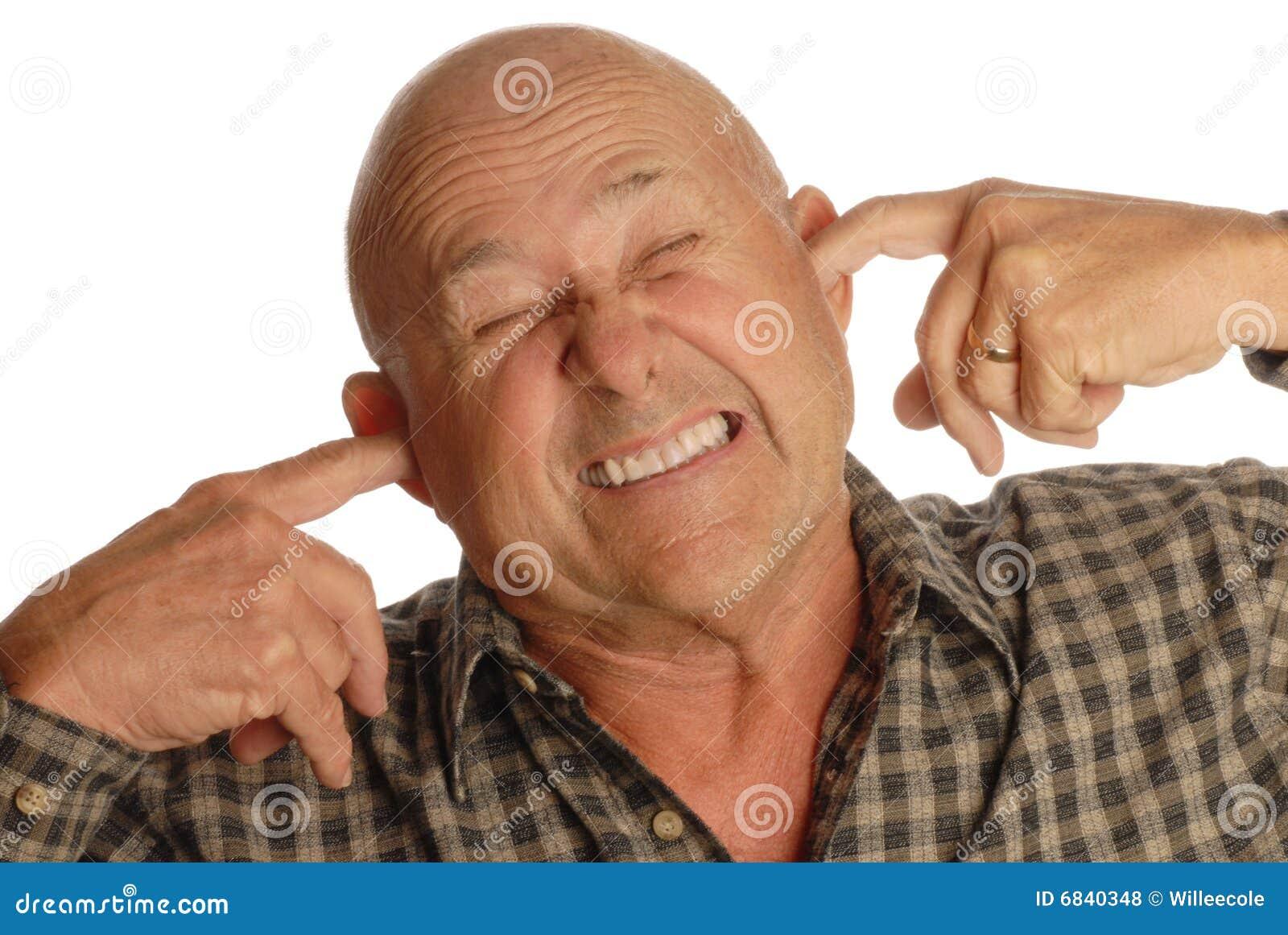秃头耳朵供以人员插入前辈