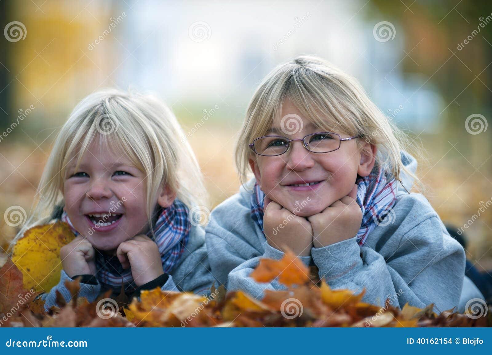 秋天女孩笑