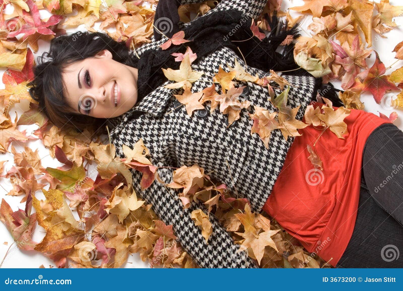 秋天留下妇女