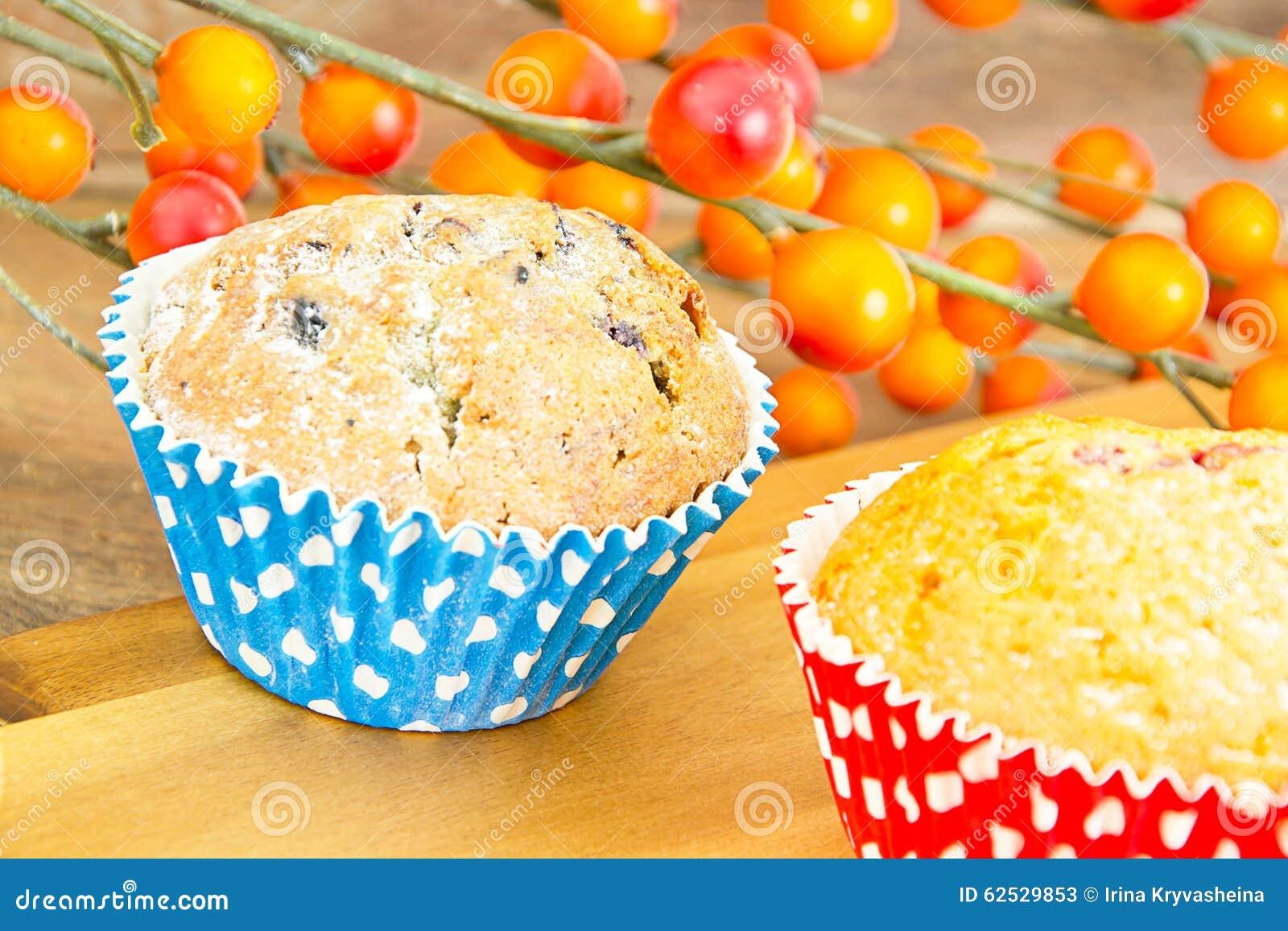 秋天蛋糕用莓果