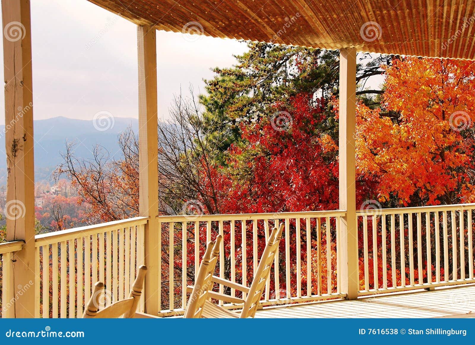 秋天门廊视图