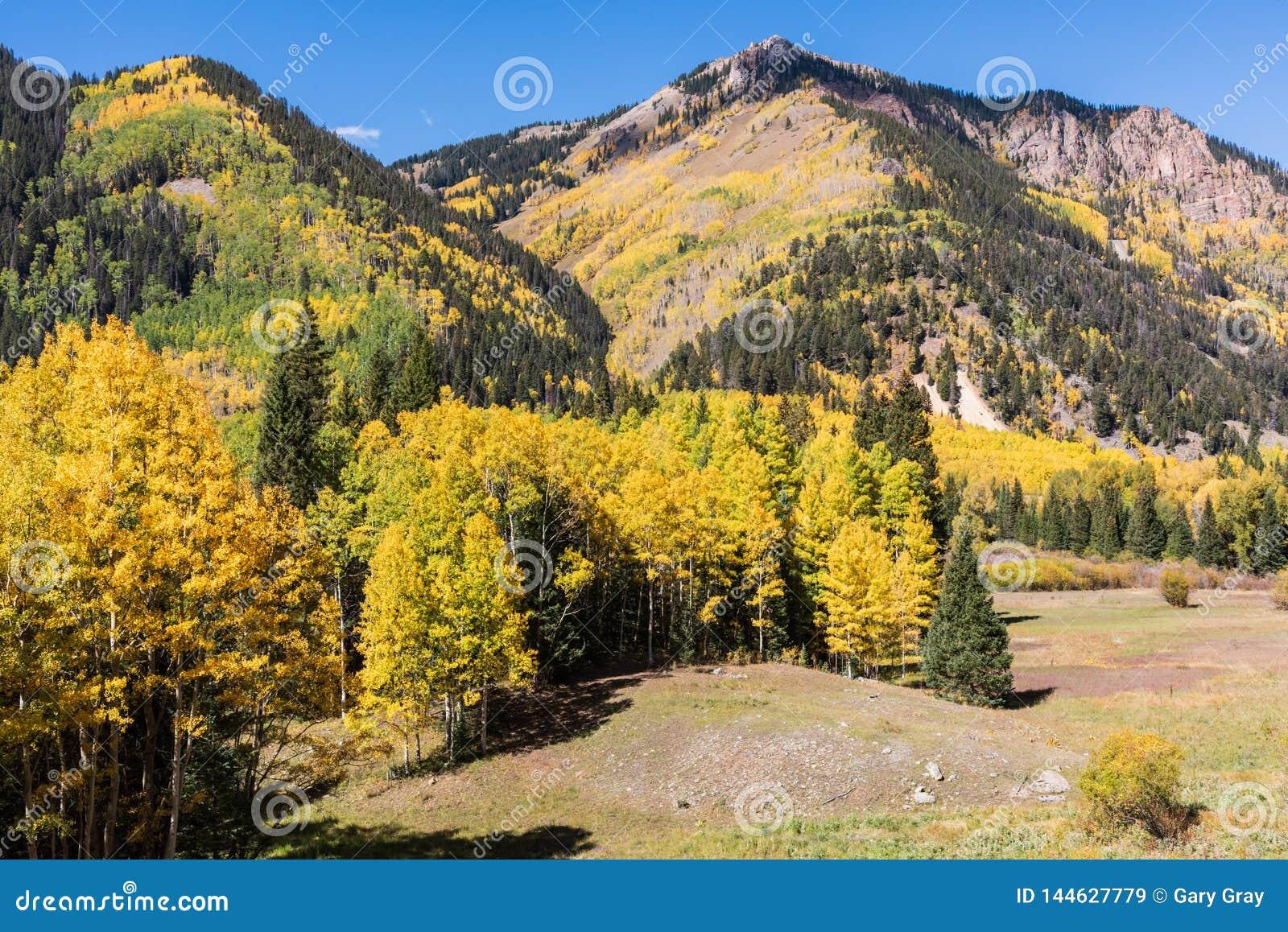 科罗拉多圣胡安山在秋天