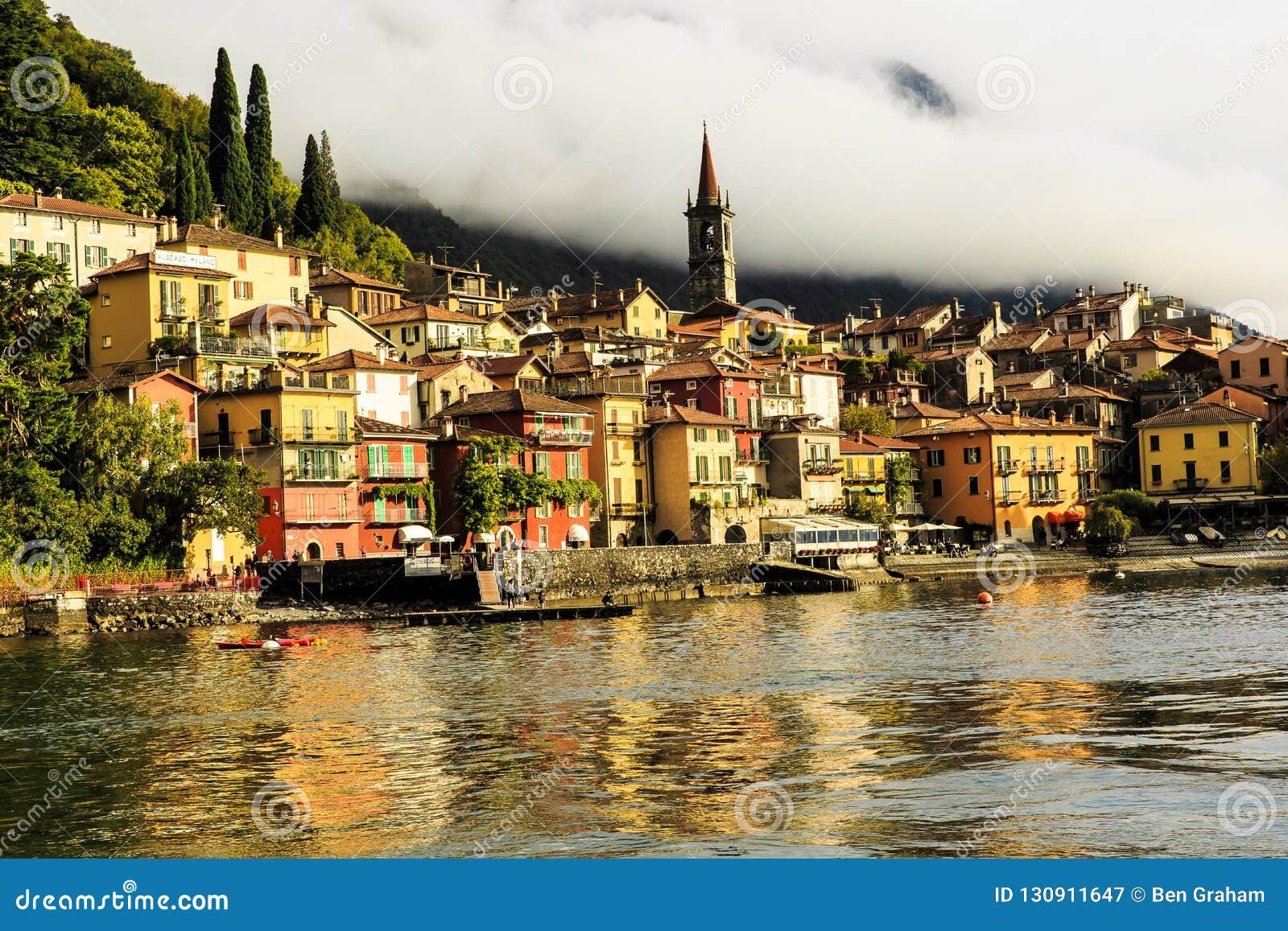 科莫湖的意大利贝拉焦