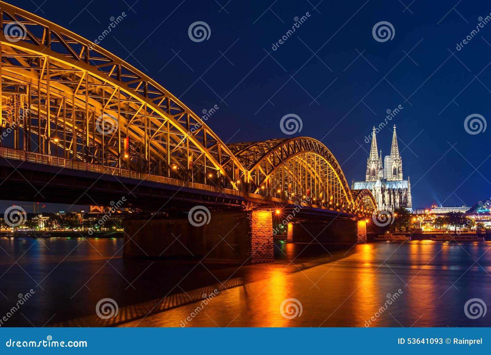 科隆大教堂和Hohenzollern新娘在科隆/Koln,德国