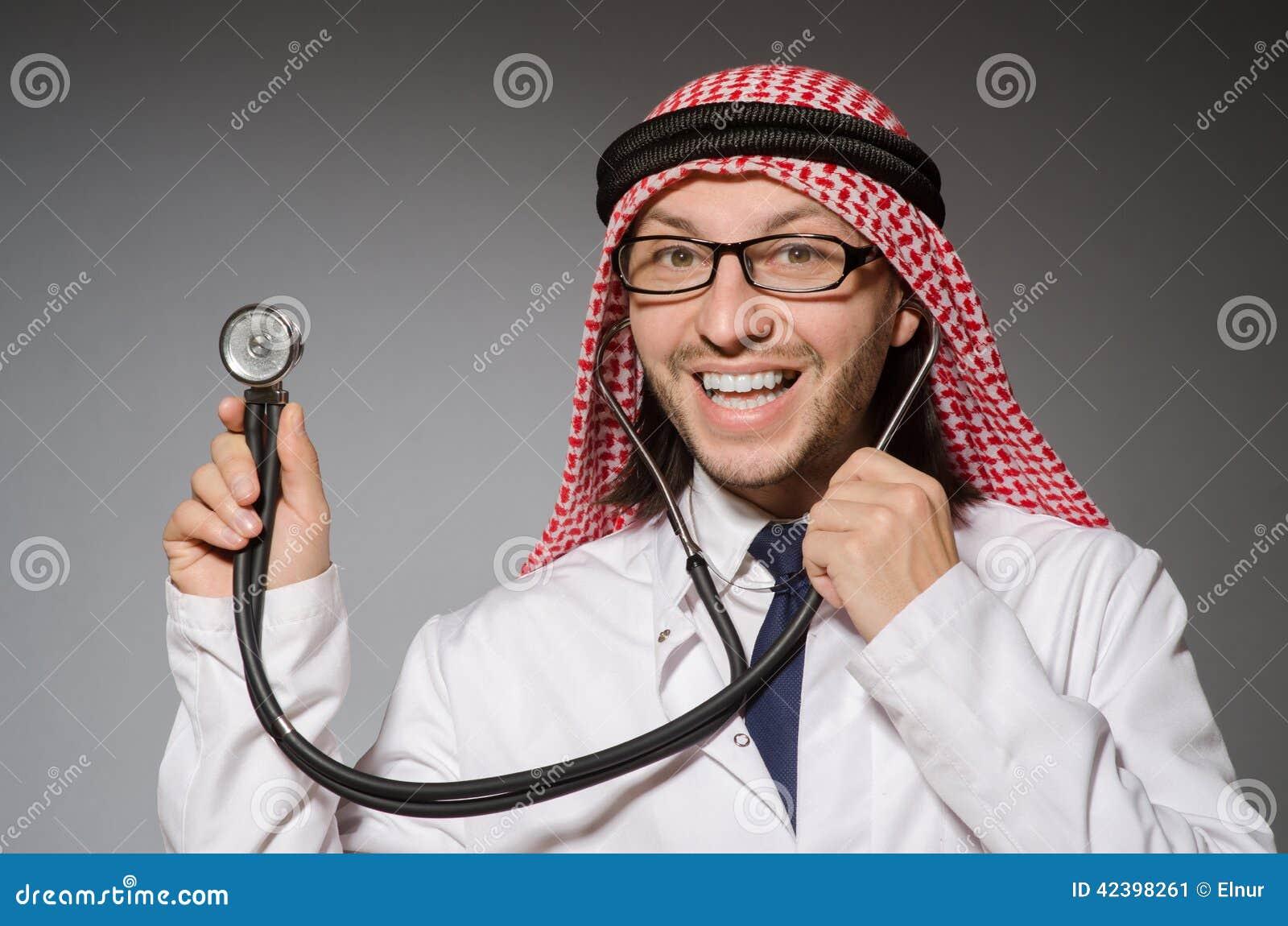滑稽的阿拉伯医生