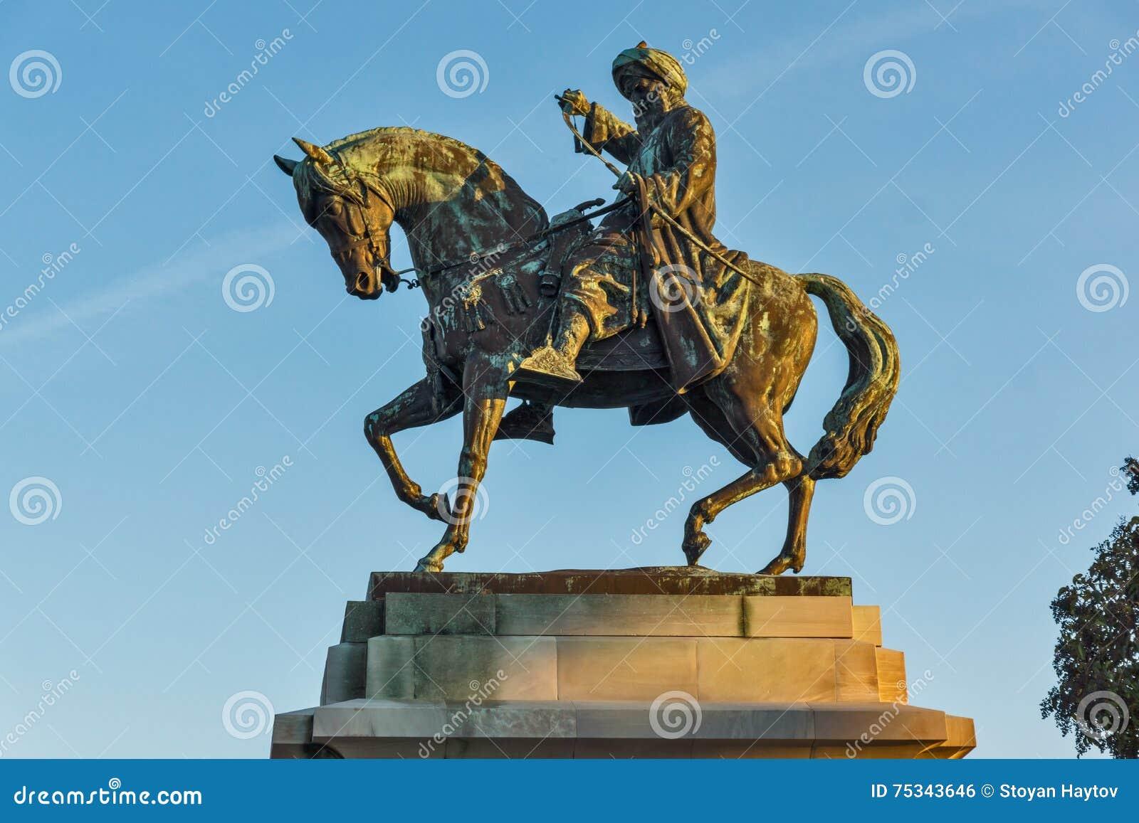 穆罕默德・阿里帕夏纪念碑在卡瓦拉,希腊