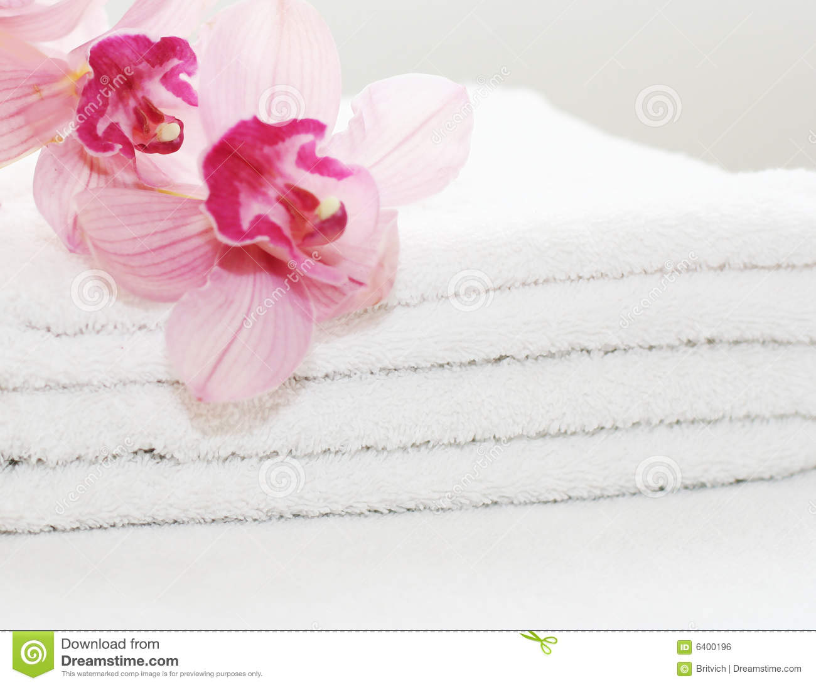 空白兰花的毛巾