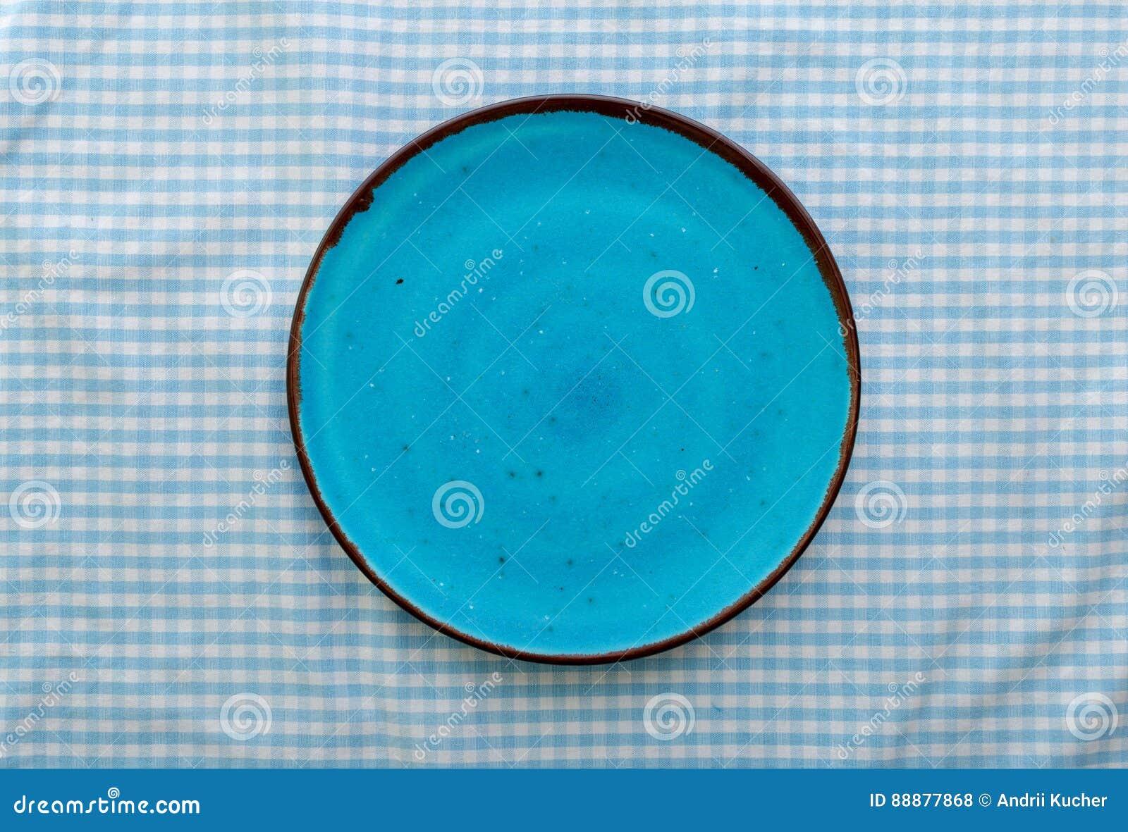 空的蓝色陶瓷板材关闭,顶视图