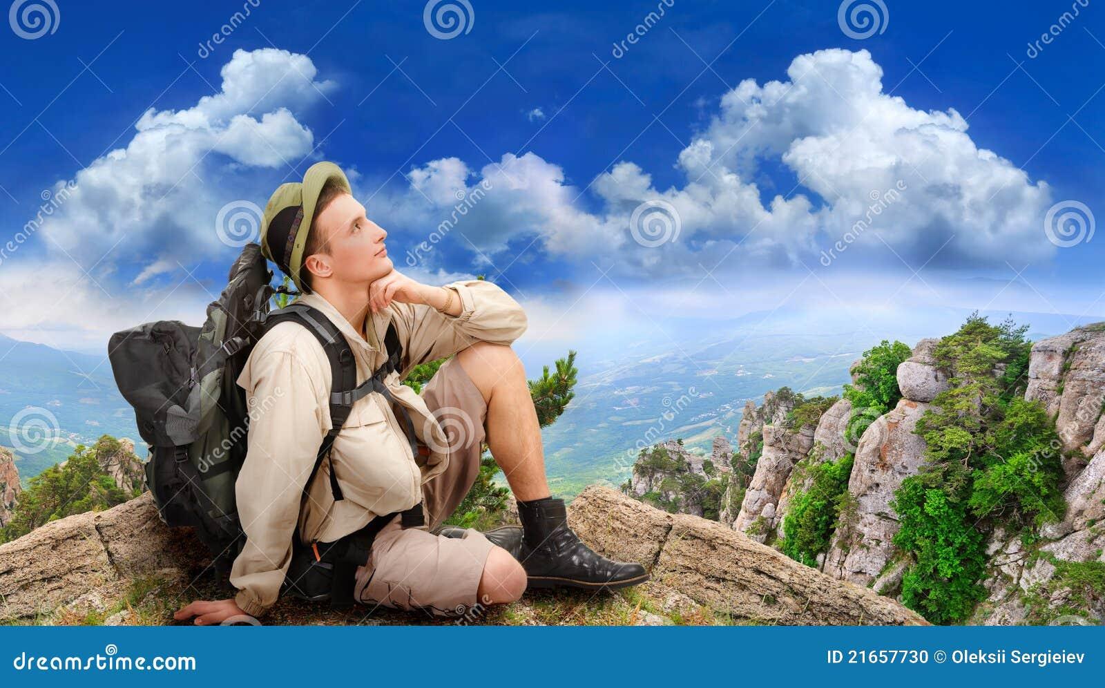穿戴的人旅游年轻人