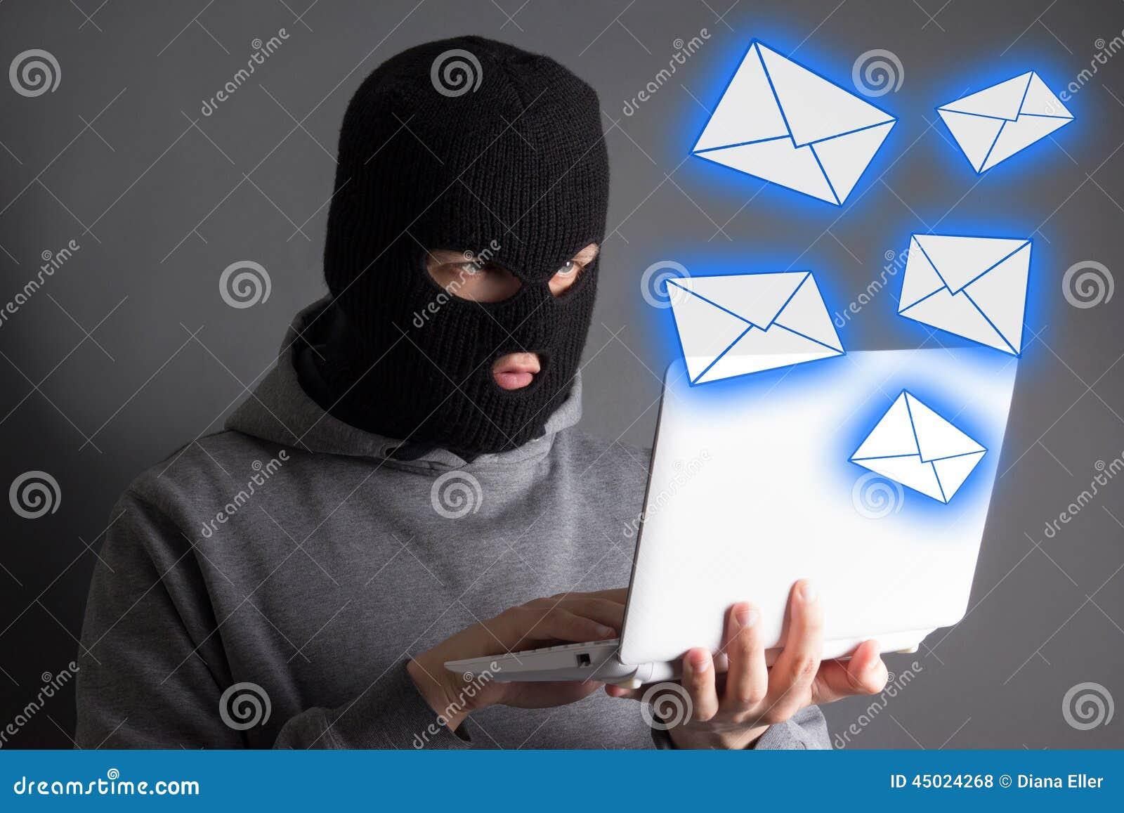 窃取从膝上型计算机的数据或传送垃圾短信信息的黑客