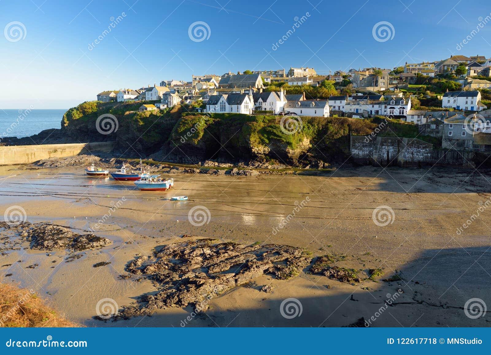 端起以撒,一个小和美丽如画的渔村北部康沃尔郡,英国,英国大西洋海岸的,著名作为ba