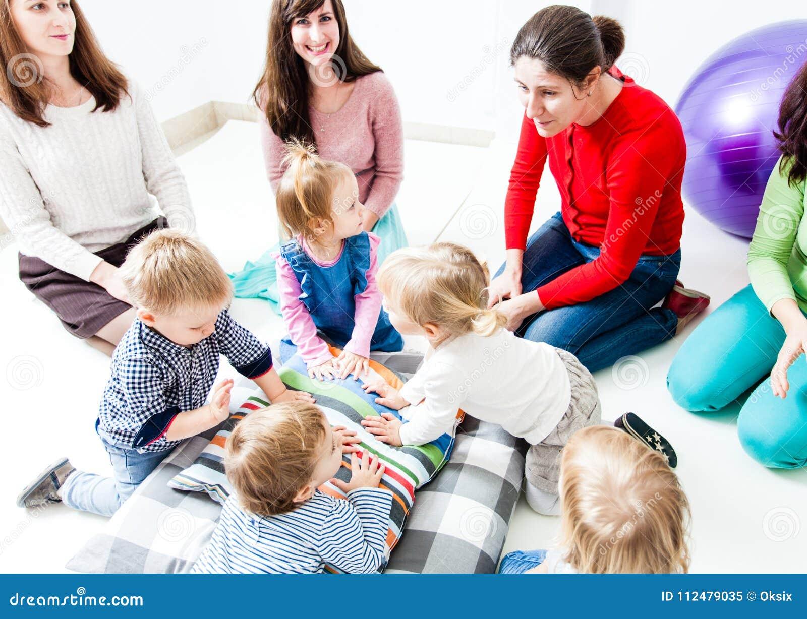 第一天孩子在幼儿园