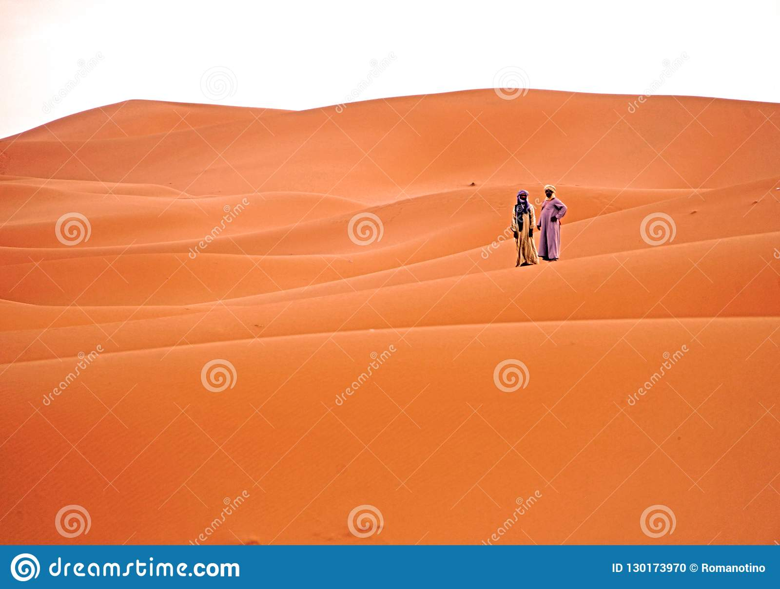 等待的黎明在尔格在摩洛哥离开