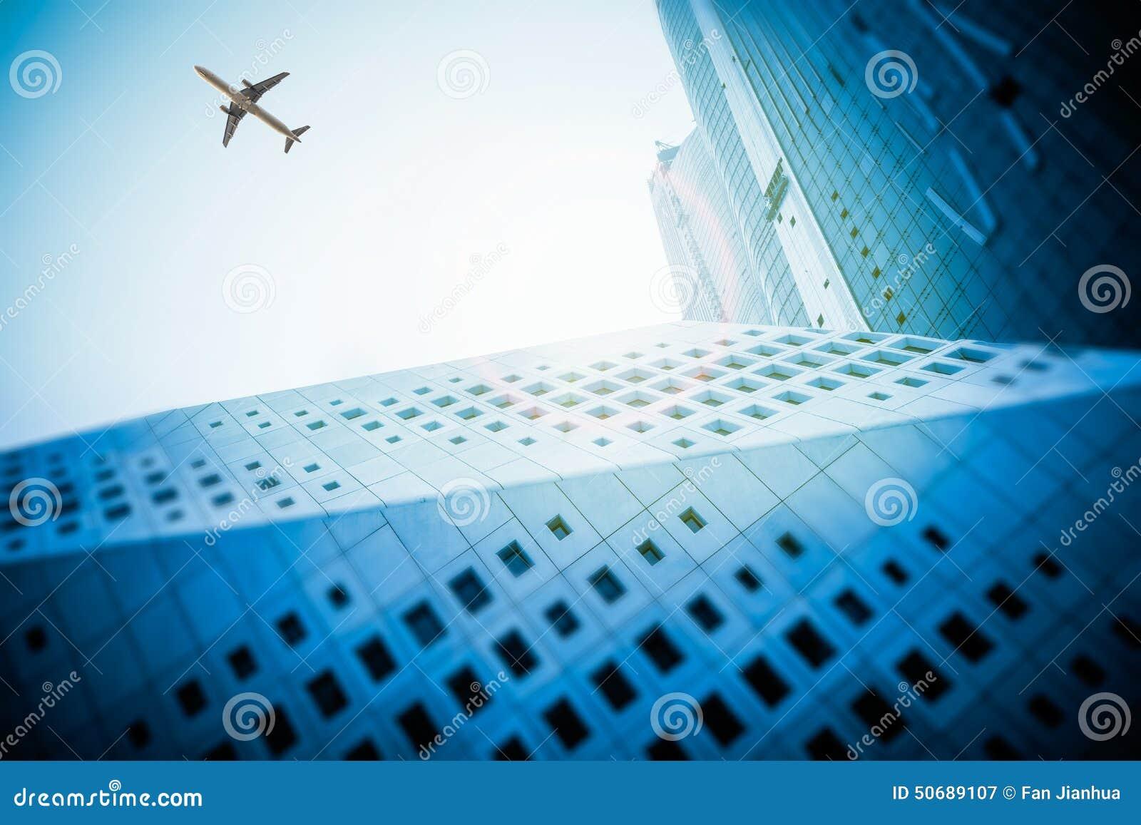 Download 建筑是大厦外部 库存图片. 图片 包括有 摩天大楼, 建筑, 现代, 安全性, 起重机, 布哈拉, 蓝色 - 50689107