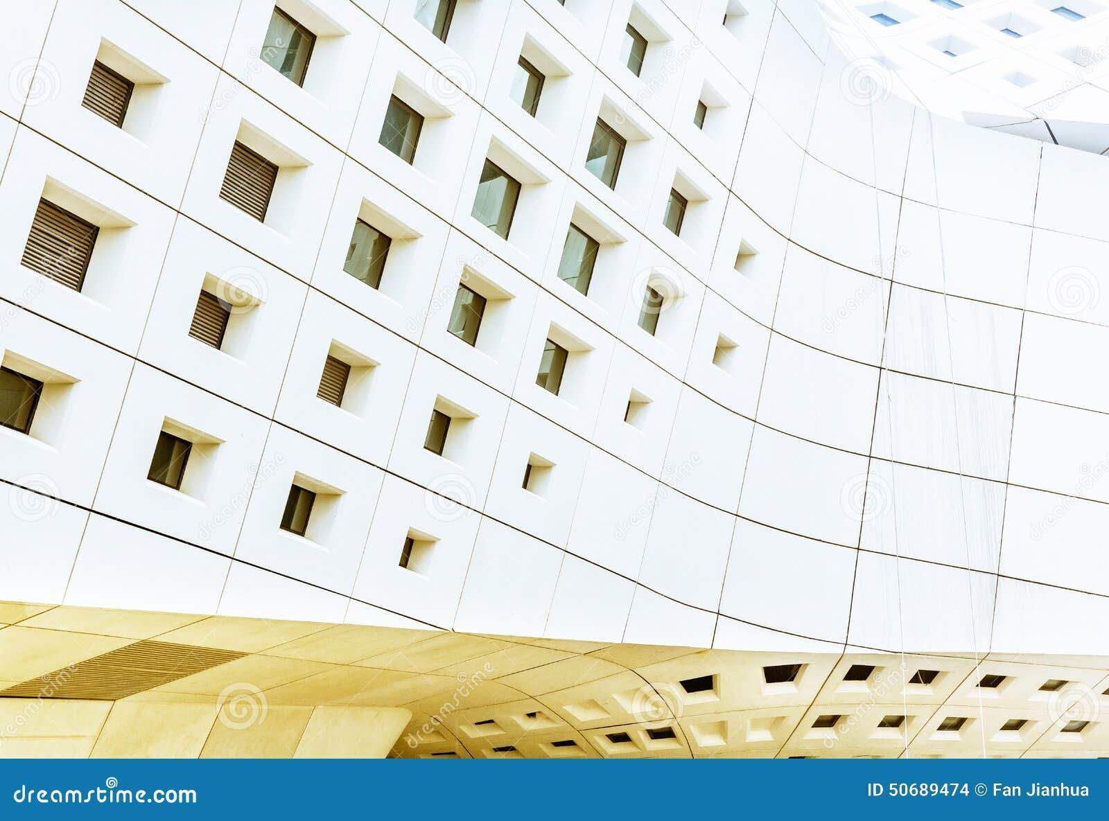 Download 建筑是大厦外部 库存照片. 图片 包括有 建筑, 起重机, 的treadled, 发展, 拱道, 城市, 电汇 - 50689474