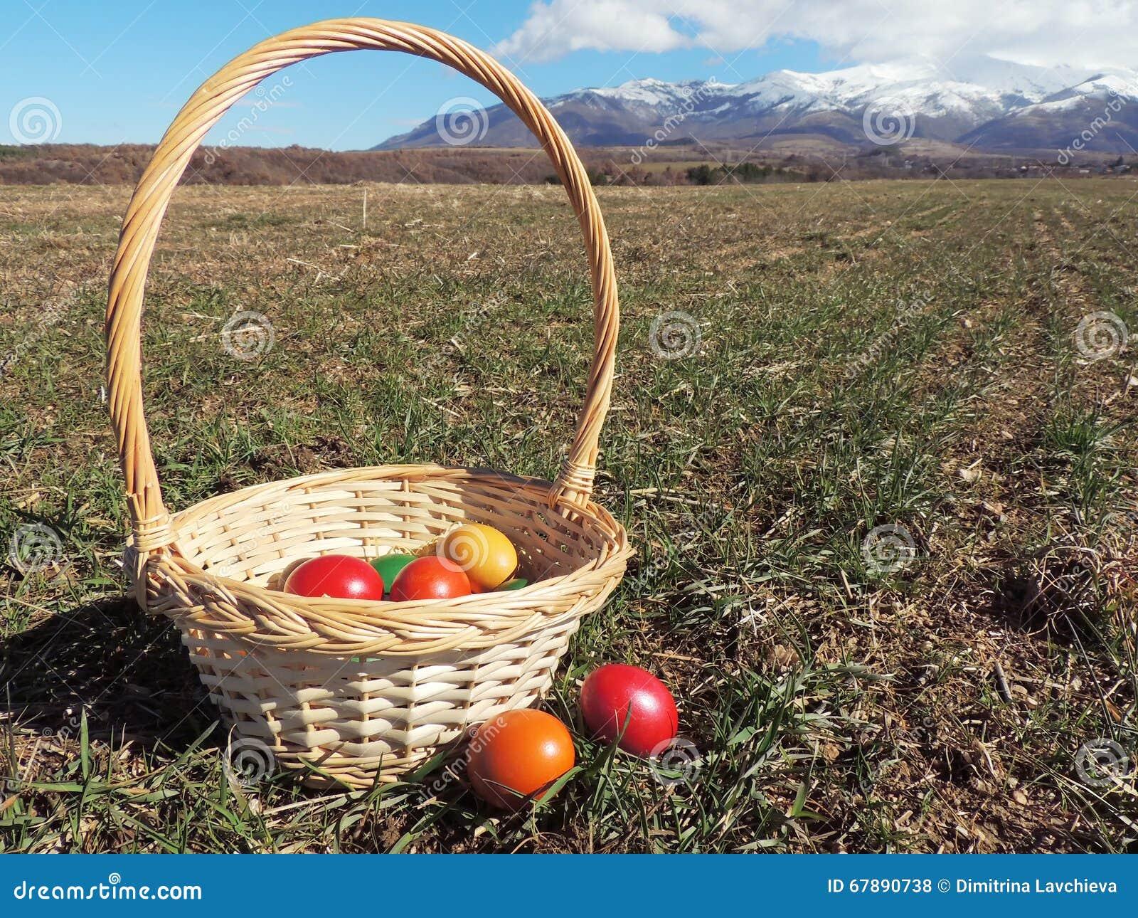 篮子复活节彩蛋