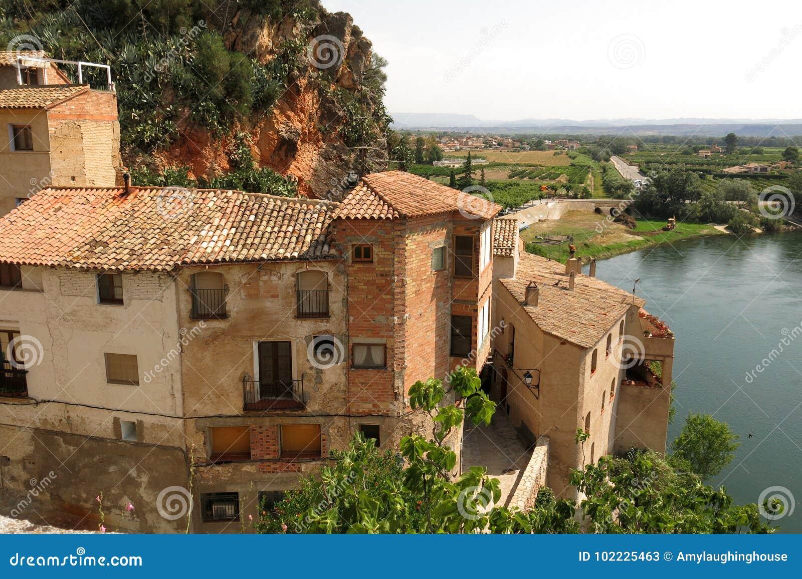 米拉韦卡塔龙尼亚,西班牙中世纪村庄