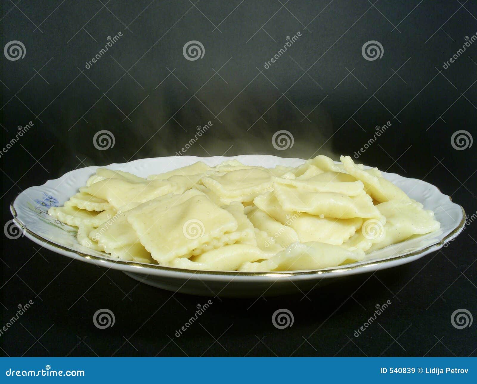 Download 粘贴 库存图片. 图片 包括有 意大利面食, 黄色, 食物, 准备, 通心面, 正餐, 粘贴, 晚饭, 面条 - 540839