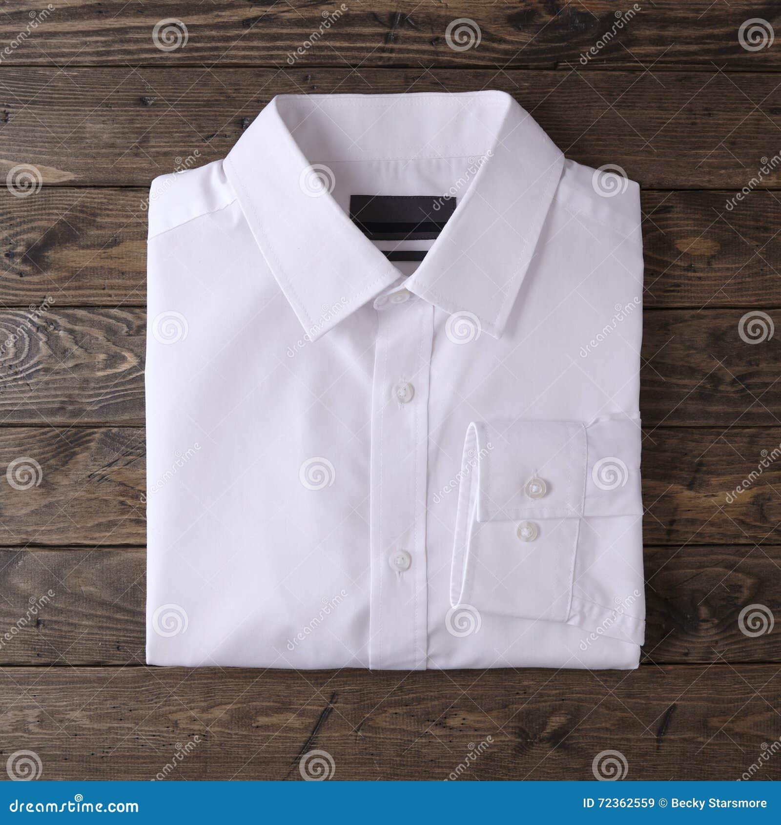 精神男式衬衫