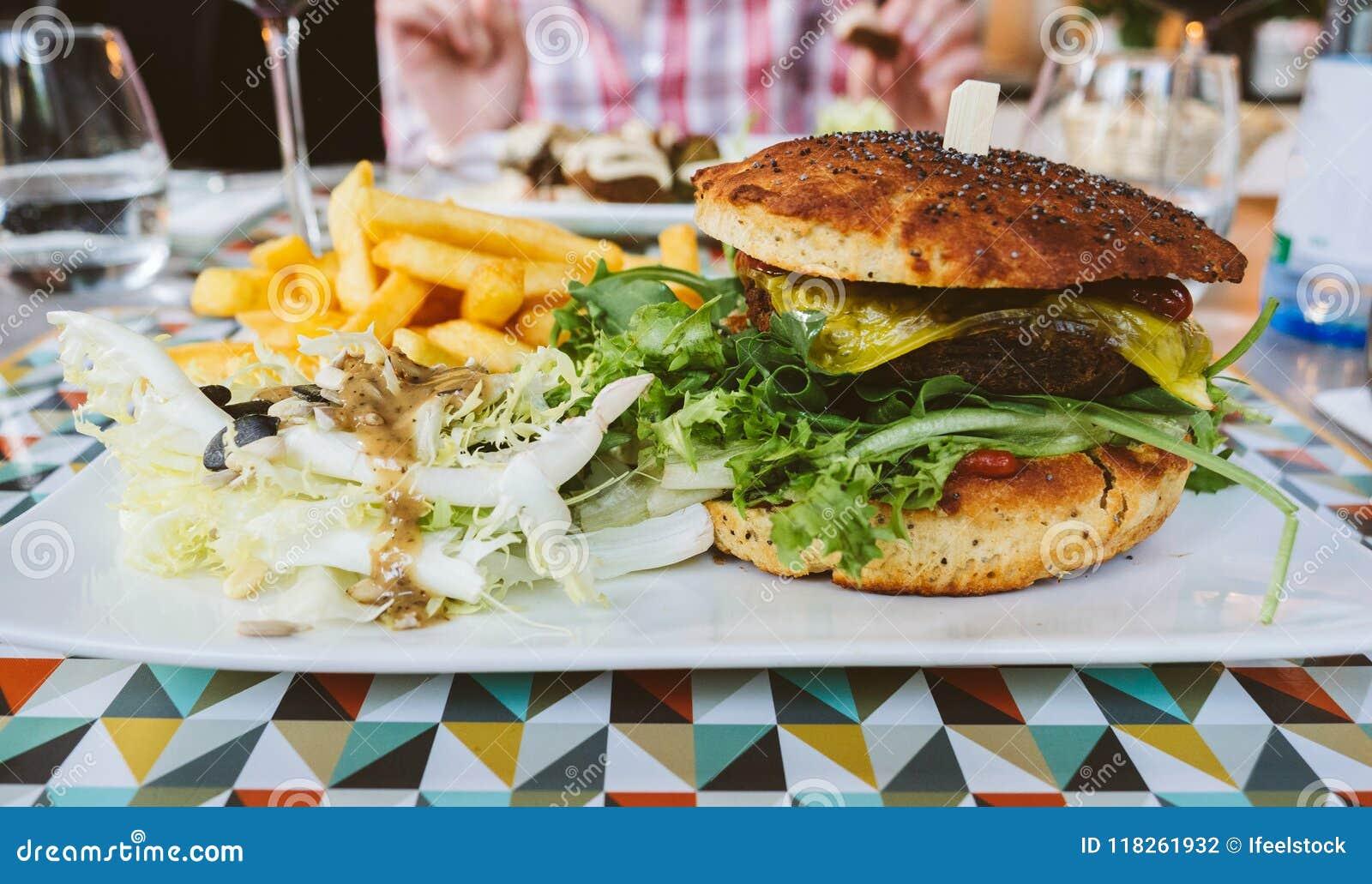 素食主义者汉堡在餐馆