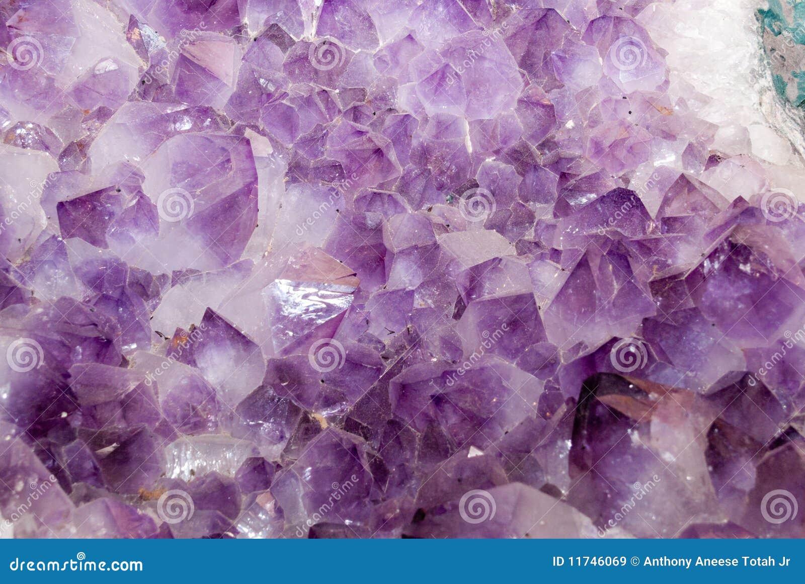 紫色的水晶
