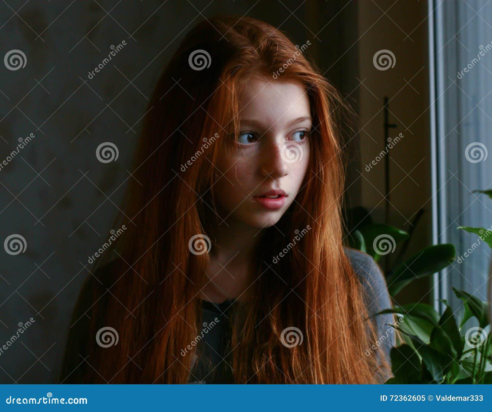 红发女孩作梦