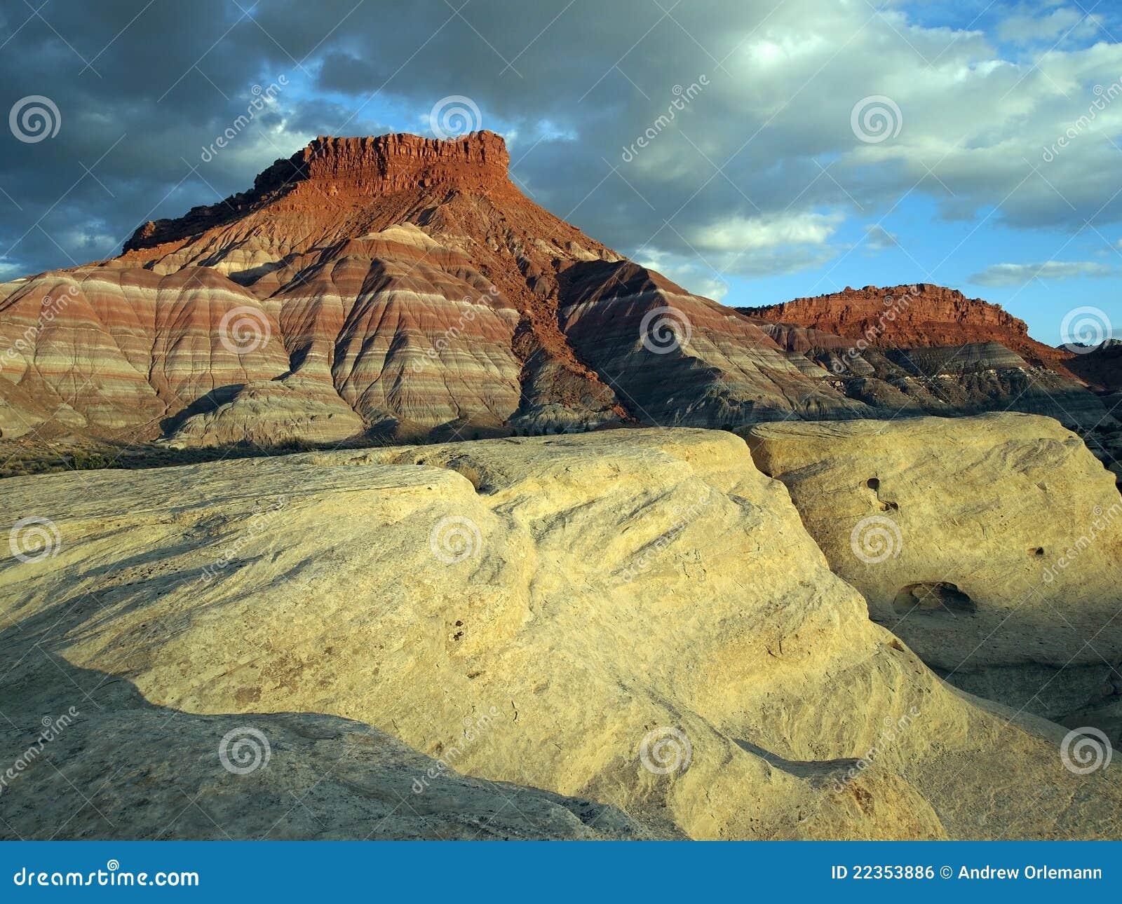 红砂岩白色