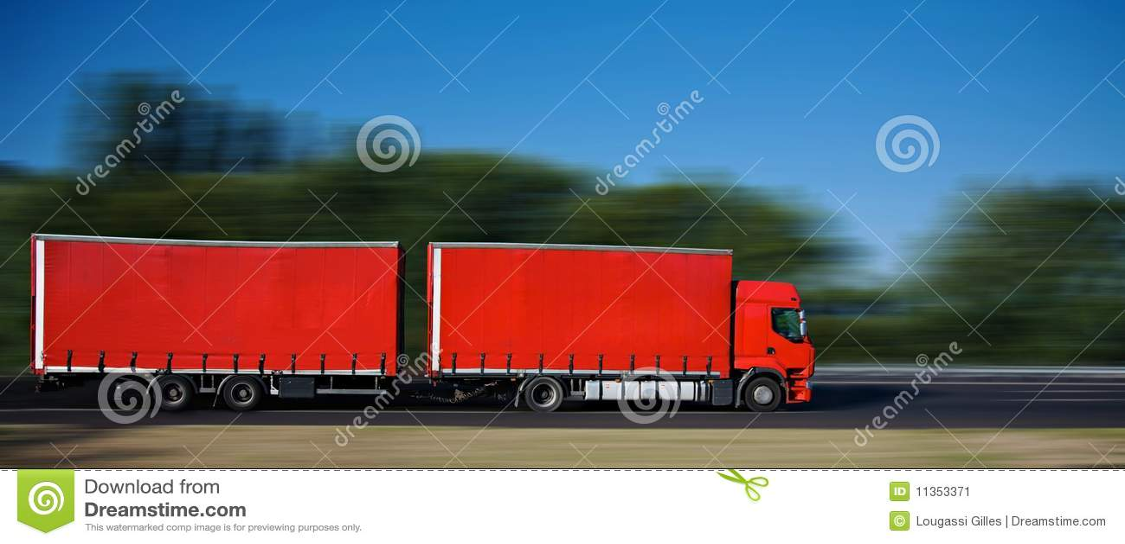 红色半traile卡车