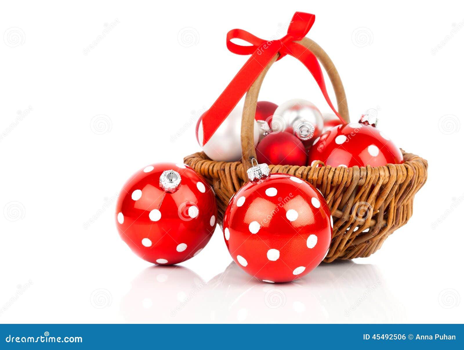 红色圆点圣诞节中看不中用的物品