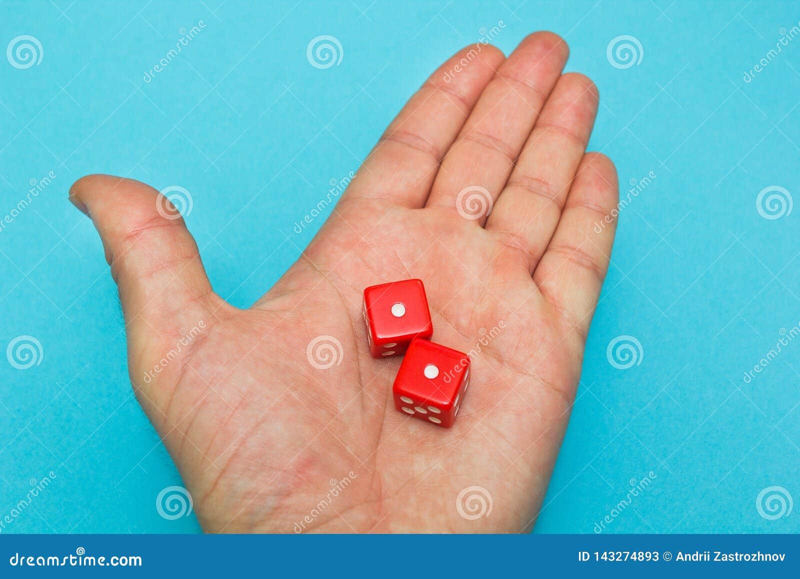 红色在手,失败上切成小方块