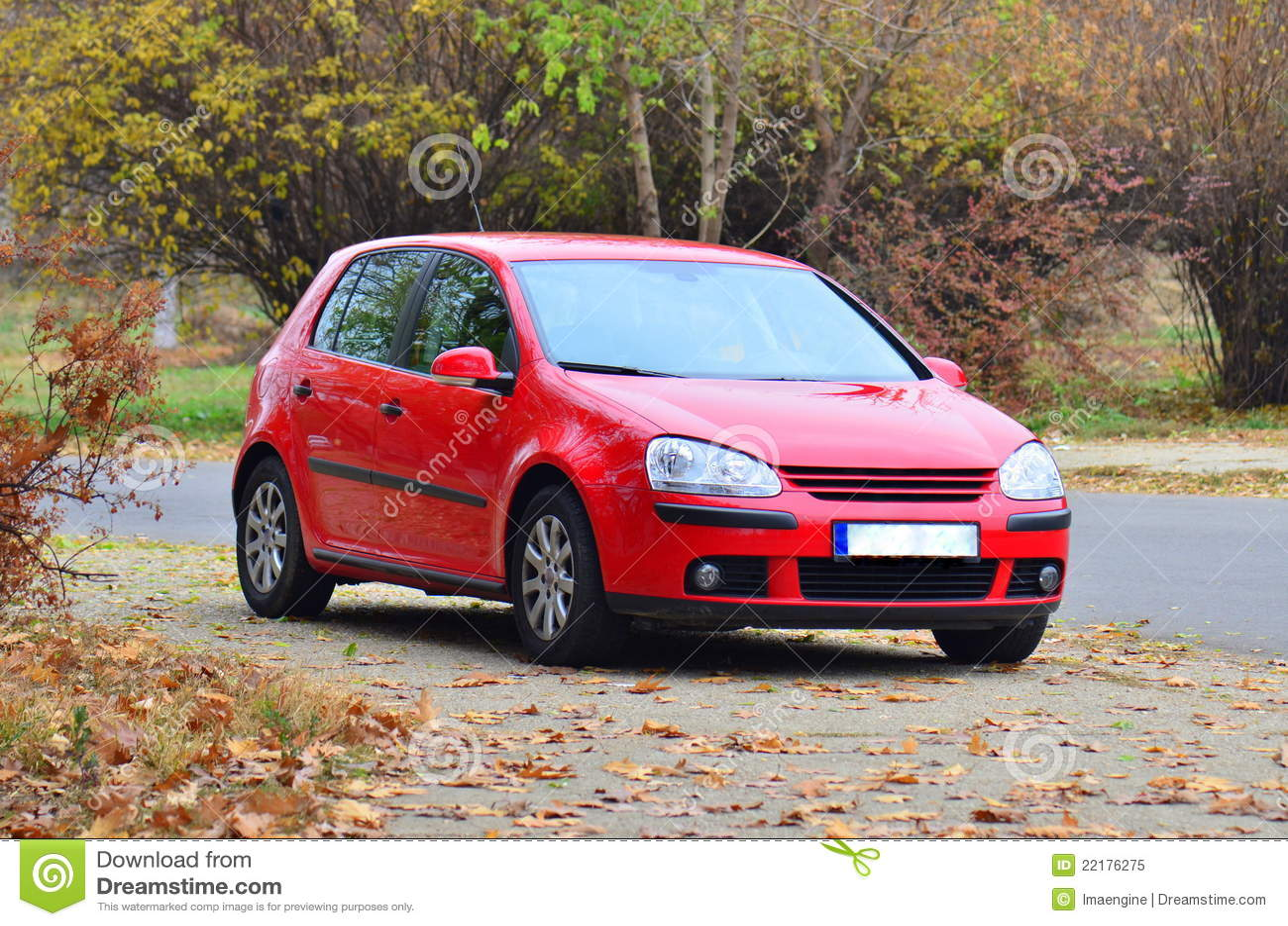 红色大众GTI高尔夫球汽车
