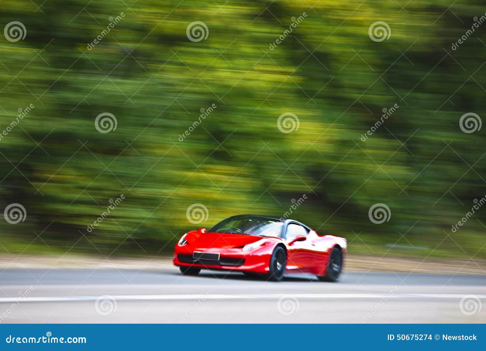 Download 红色快速地驾车在乡下公路 库存照片. 图片 包括有 车道, 旅途, 季节, 环境, 国家(地区), 地产 - 50675274