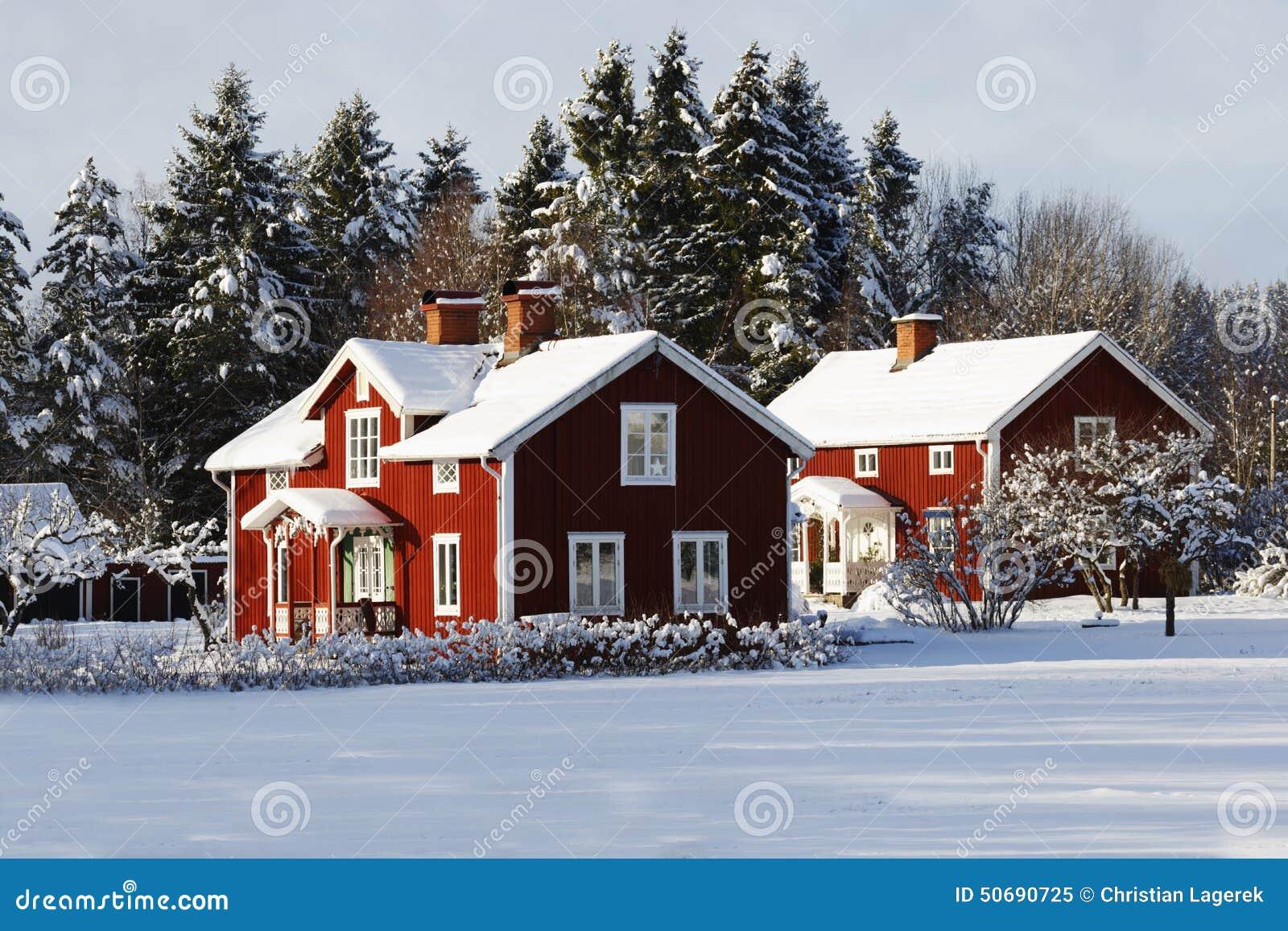 Download 红色村庄,多雪的冬天风景的农场 库存图片. 图片 包括有 平安, 农村, 风景, 冬天, 村庄, 乡情, 反气旋 - 50690725