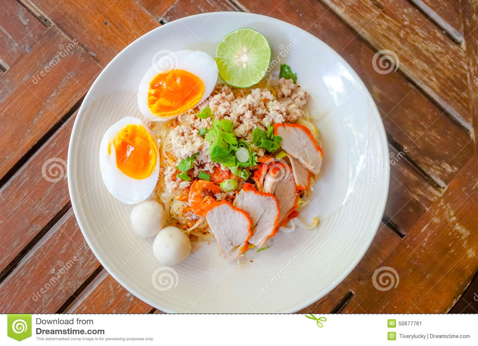 Download 红色猪肉面条 库存图片. 图片 包括有 汉语, 健康, 现场, 东方, 意大利面食, 聚会所, 烹调, 油煎 - 50677761