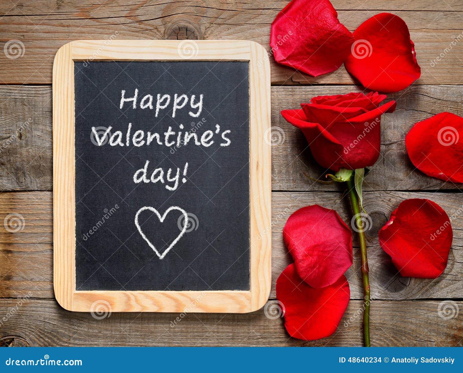 红色玫瑰和愉快的情人节!文本