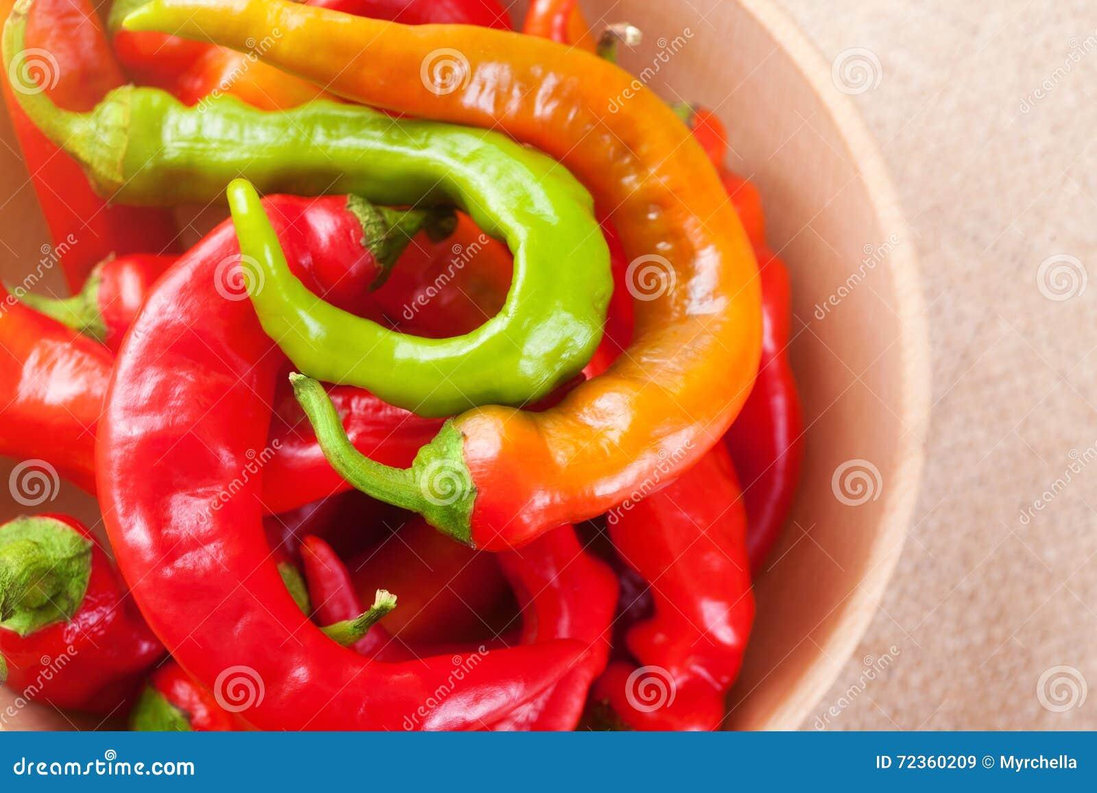 红色碗辣椒的青椒