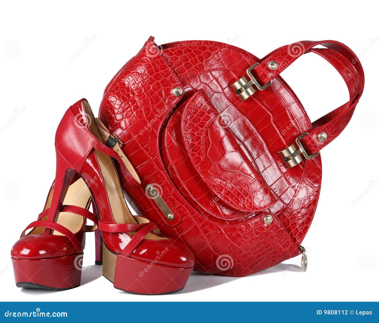 红色穿上鞋子妇女